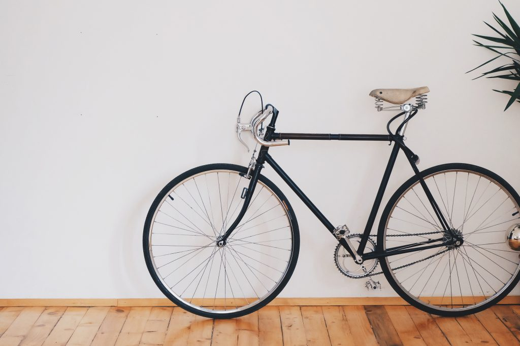 La décoration murale vieux vélo en métal noir